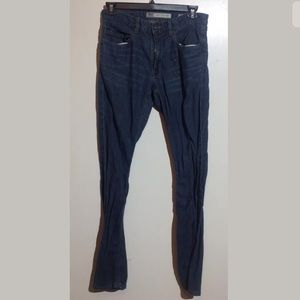 BKE Men Jean Size 32 X 34  Relaxed Jake Straight